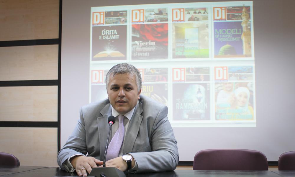 Drejtori i Medias në KMSH, bashkëbisedim me studentët e Universitetit Bedër