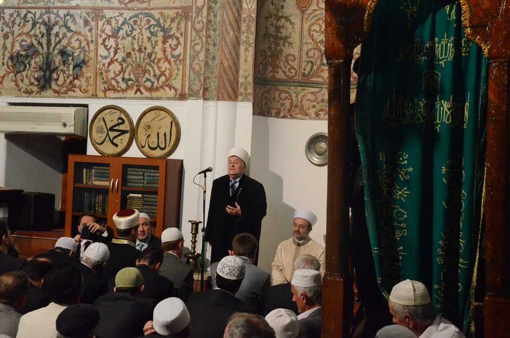 Komuniteti Mysliman organizon natë lutjesh e duàsh