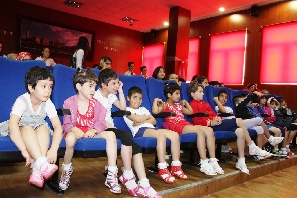 """Zyra e gruas në KMSH feston """"1 Qershorin"""" me fëmijët e jetimores Zyber Hallulli"""