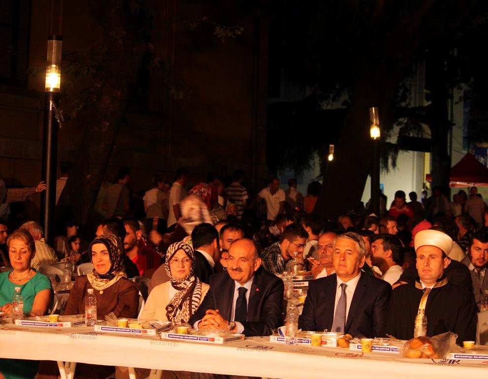 Komuniteti Mysliman i Shqipërisë dhe Bashkia Bajram Pasha e Stambollit shtrojnë iftar madhështor në Tiranë