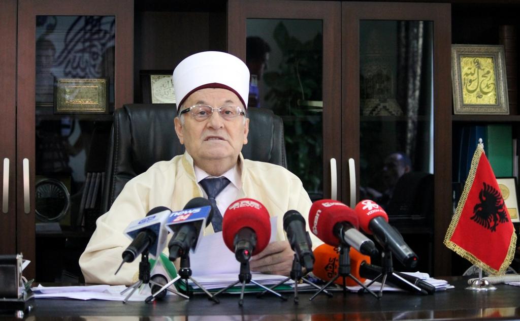 Kryetari i KMSH Haxhi Selim Muça uron shqiptarët për Fitër Bajram