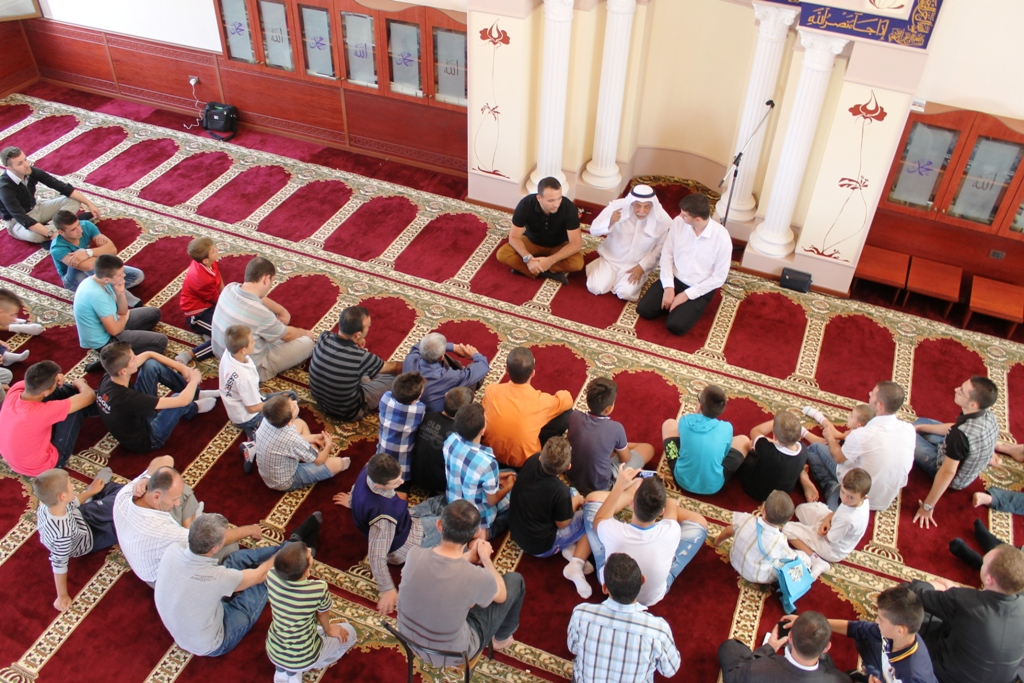 Xhamia e Selitës, dhurata për fëmijët jetimë