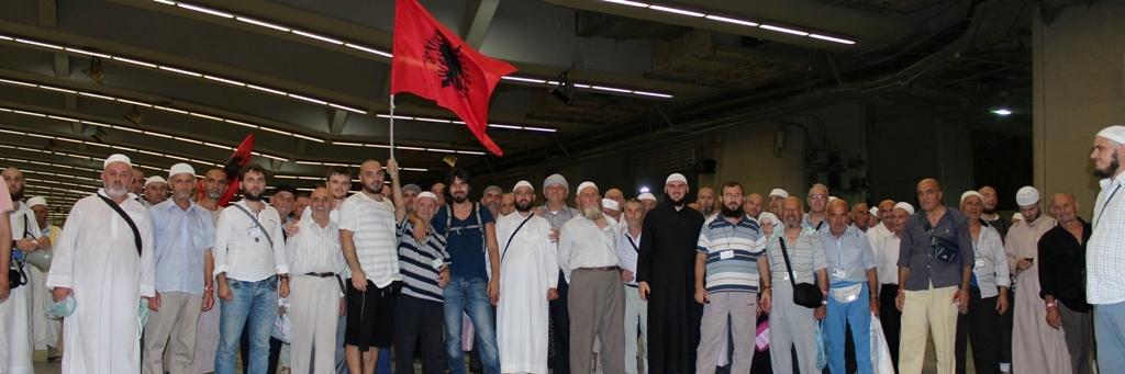 Niset grupi i parë i haxhinjve shqiptarë
