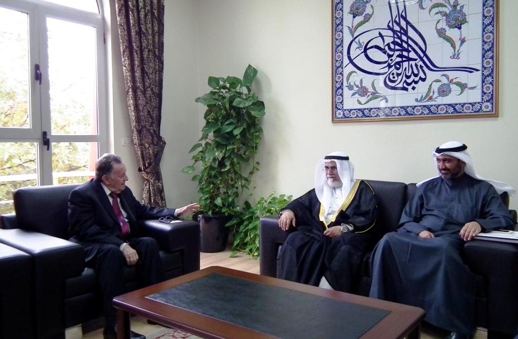 Kryetari i KMSH-së pret në një takim përfaqësues të Ministrisë së Vakëfeve të Kuvajtit