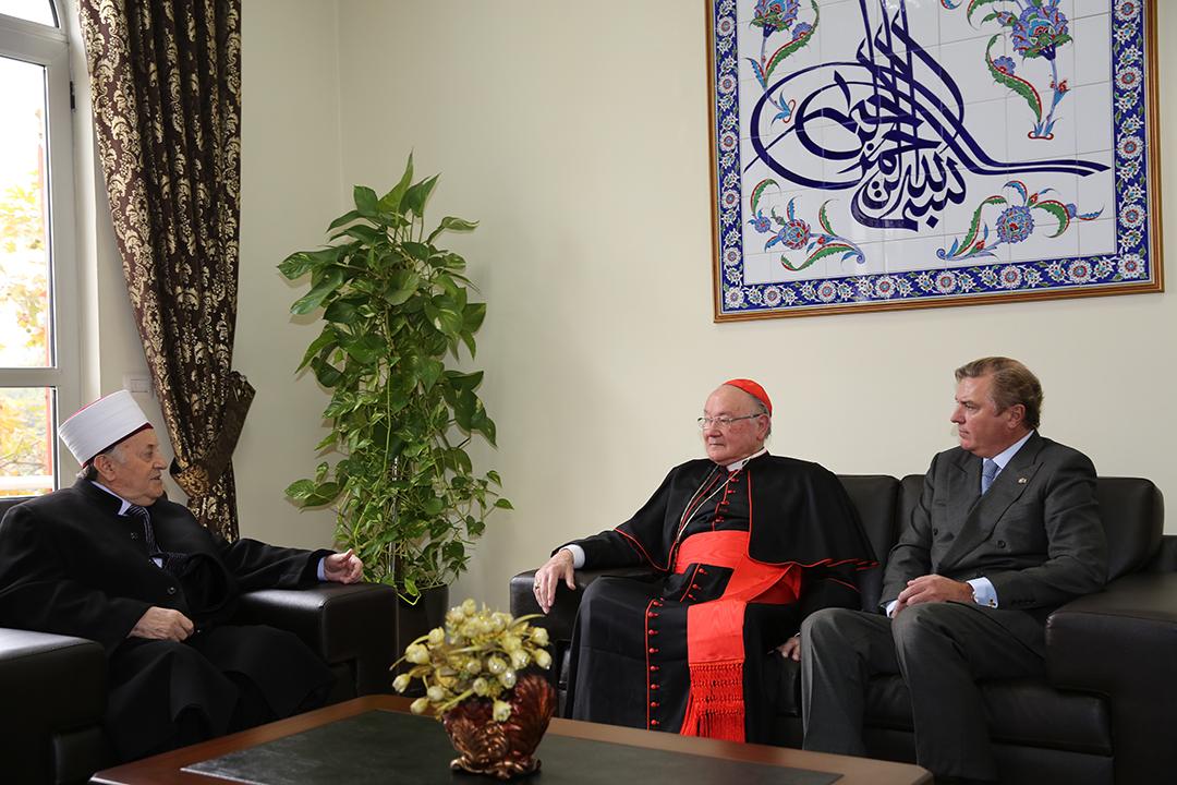 Kryetari i KMSH-së, Haxhi Selim Muça, priti në një takim Dukën e Kastros dhe Eminencën e tij Renato Raffaele