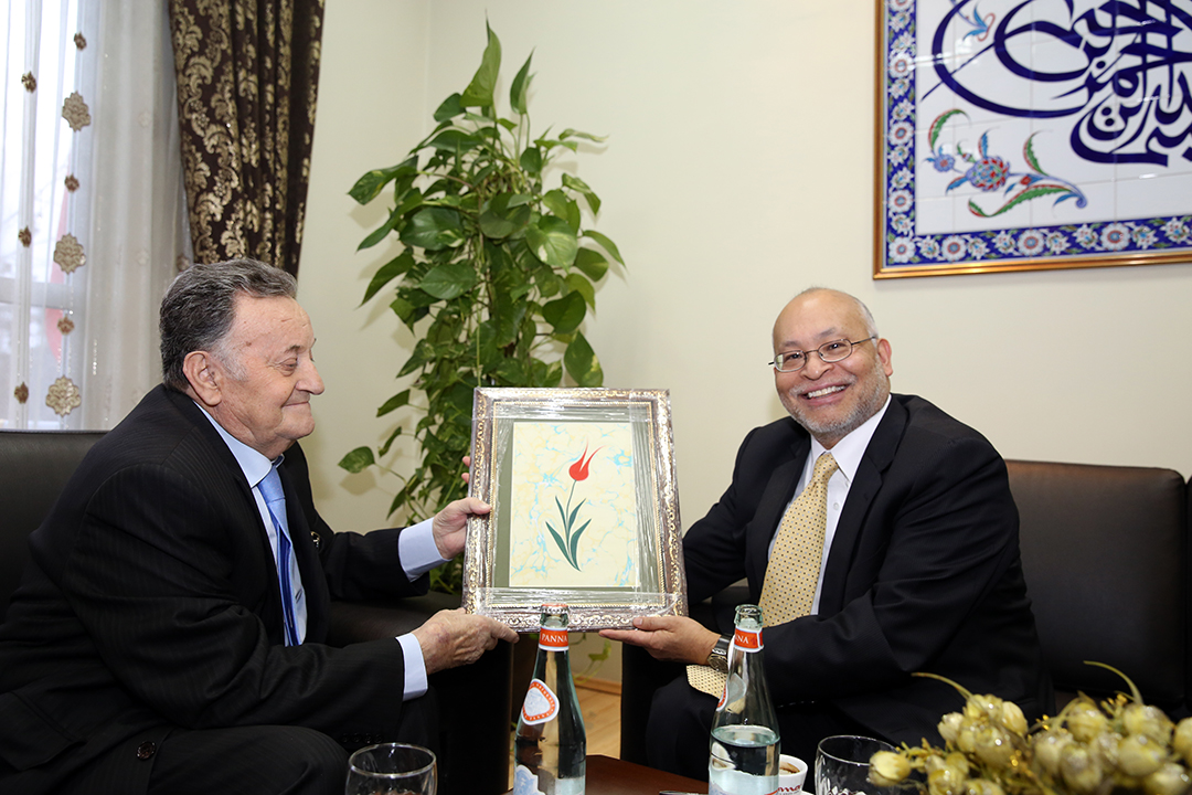 Kryetari Haxhi Selim Muça takon ambasadorin Arvizu