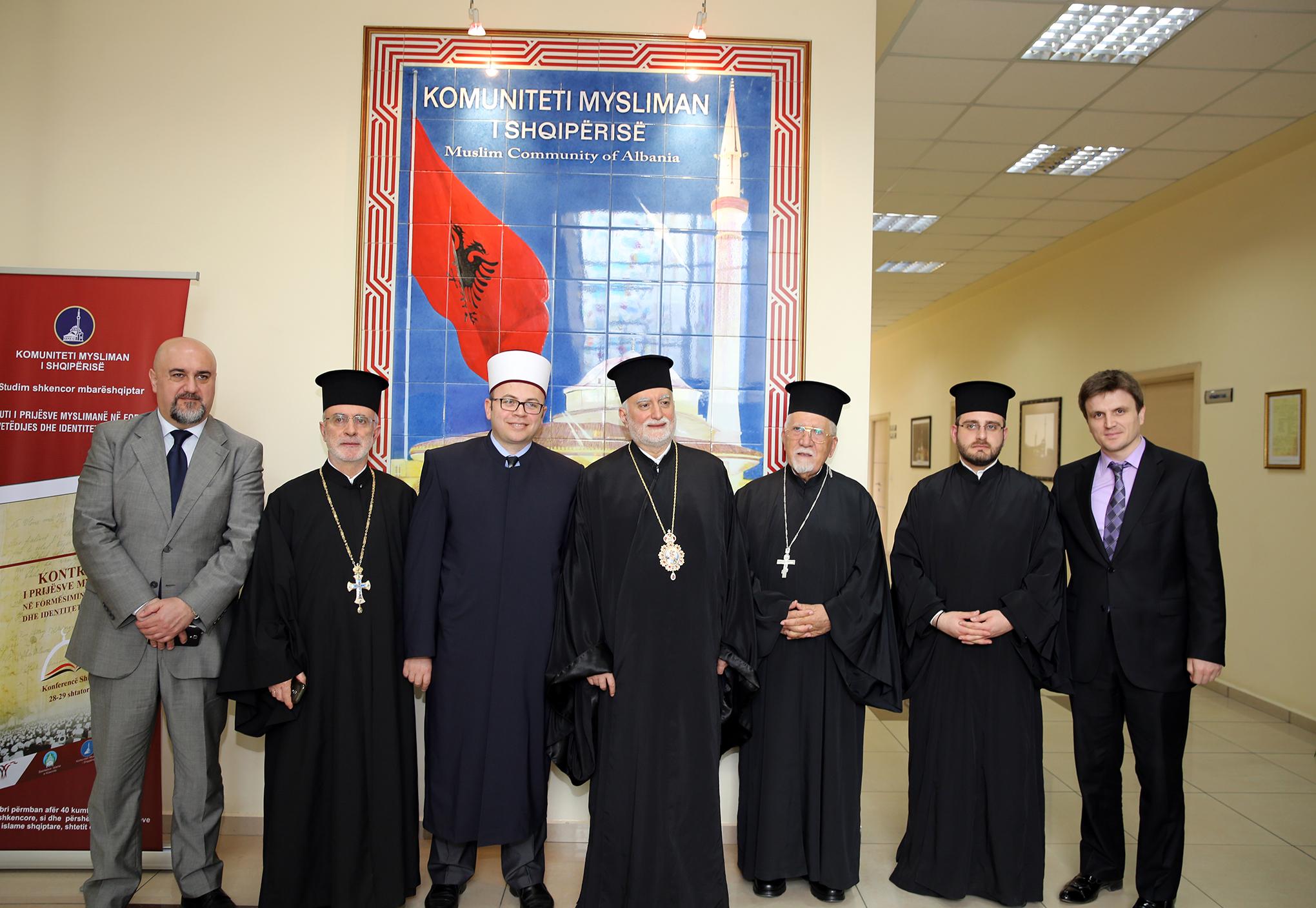 Kryetari Bruçaj pret në një takim peshkopët arbëreshë