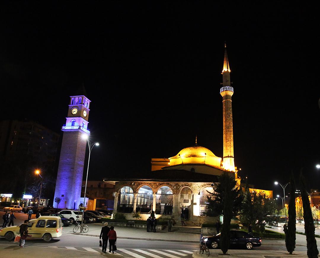 Fillojnë mbrëmjet e besimit në Xhamitë e Tiranës