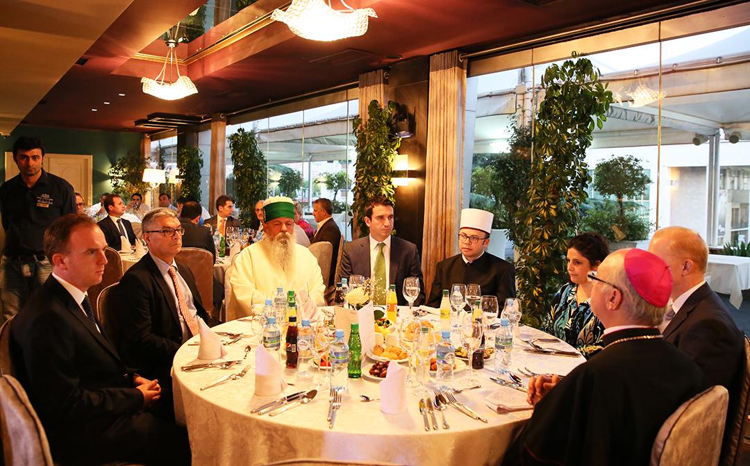 KMSH shtron iftarin e parë të Ramazanit 2014