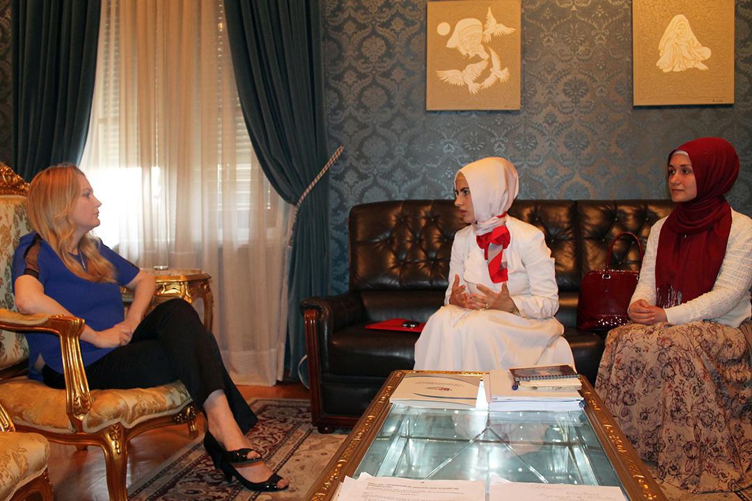 Përfaqësues të Zyrës së Gruas, takojnë kryetaren e grupit të grave deputete Mesila Doden