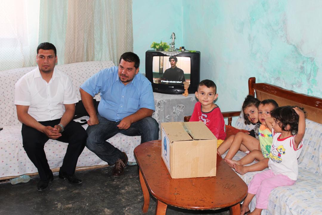 KMSH shpërndan ndihma për familjet në nevojë