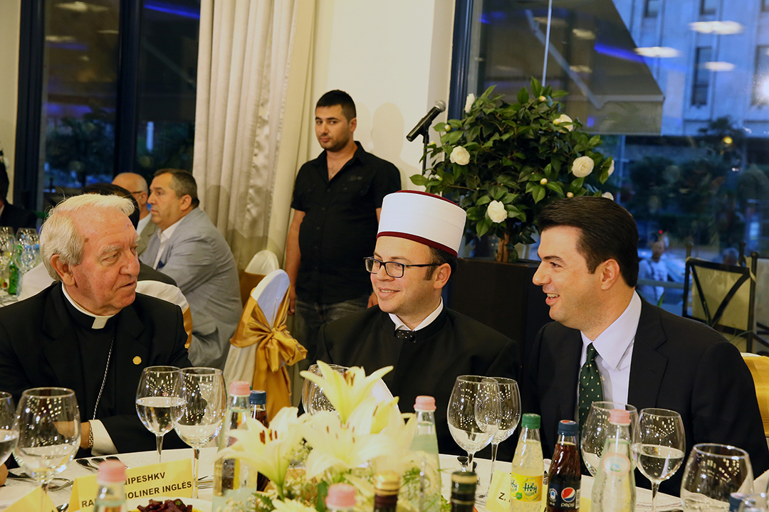 Kryebashkiaku Basha shtron iftar
