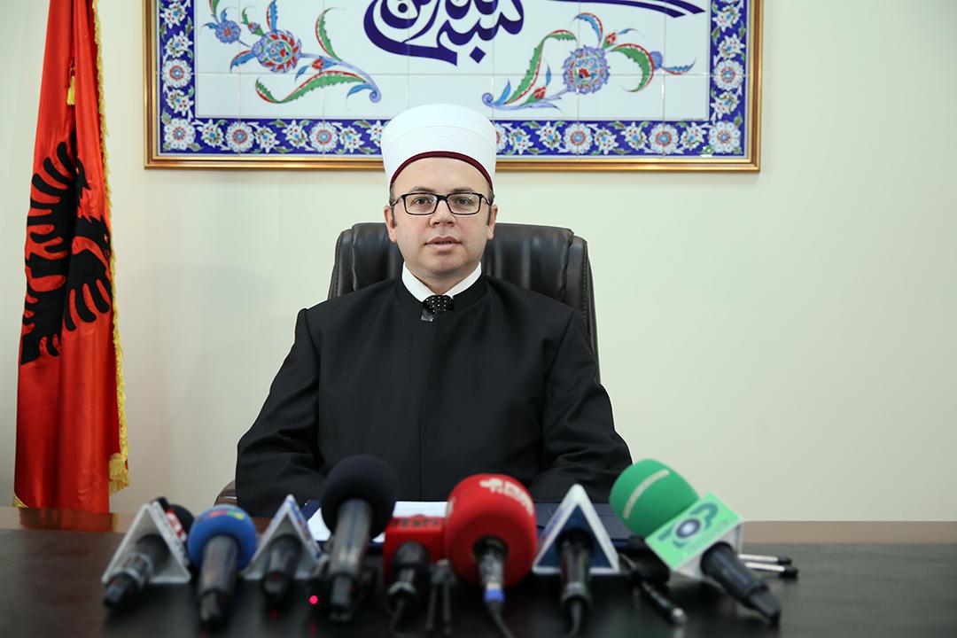 Kryetari i KMSH-së uron shqiptarët për Fitër Bajramin
