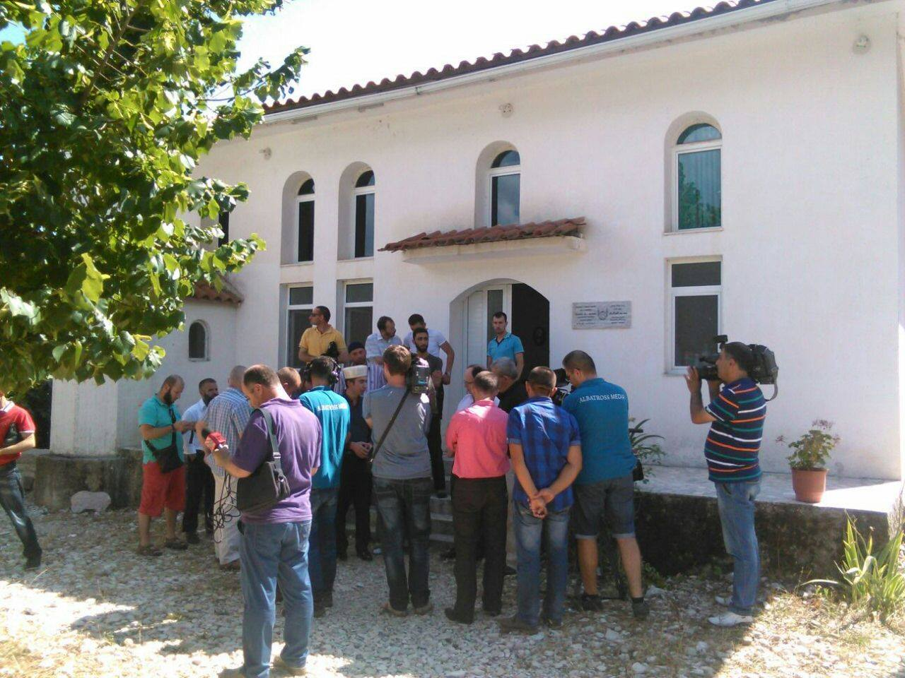 Kryetari i KMSH-së Skender Bruçaj takim me besimtarët e Lazaratit