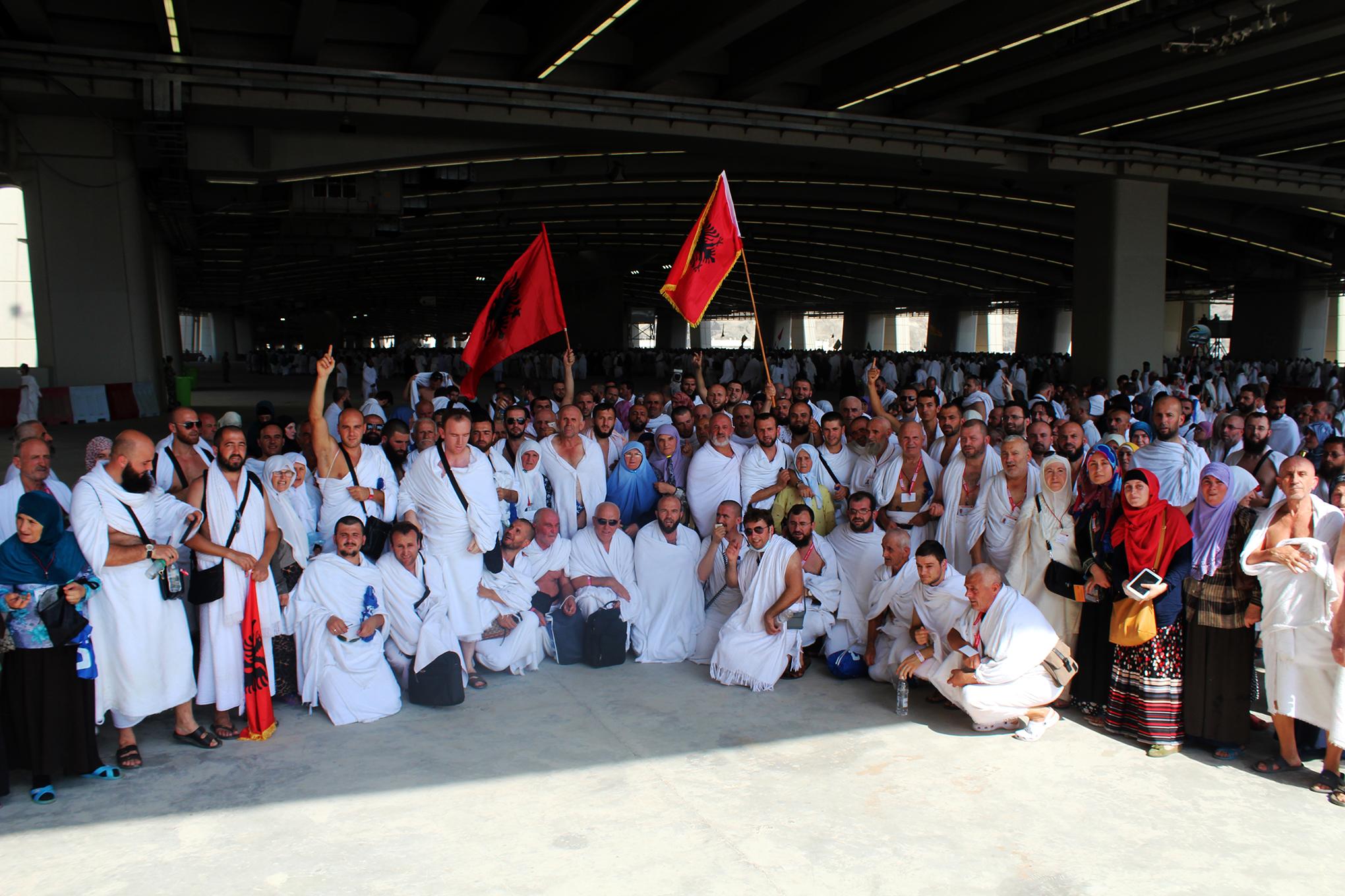 Haxhi 2014, 330 shqiptarë në Shtëpinë e Zotit
