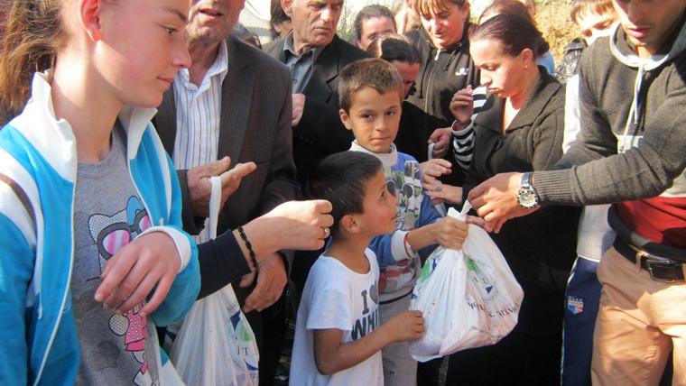 KMSH shpërndan mijëra kurbane në të gjithë vendin
