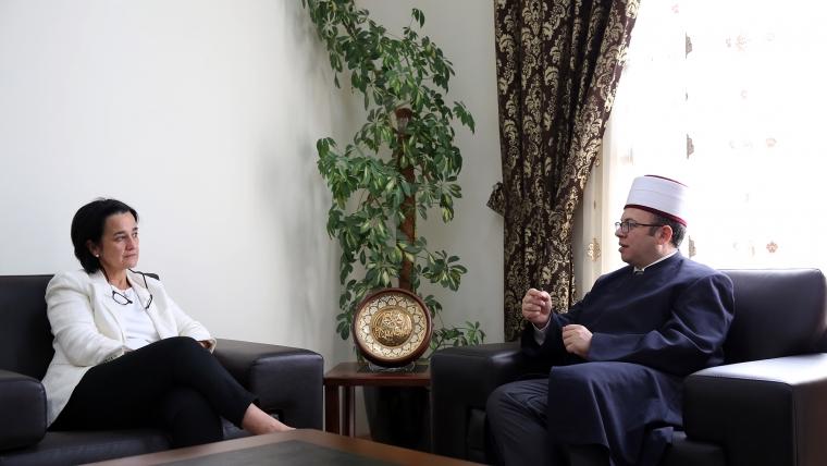 Kryetari Bruçaj pret në një takim ambasadoren e Spanjës