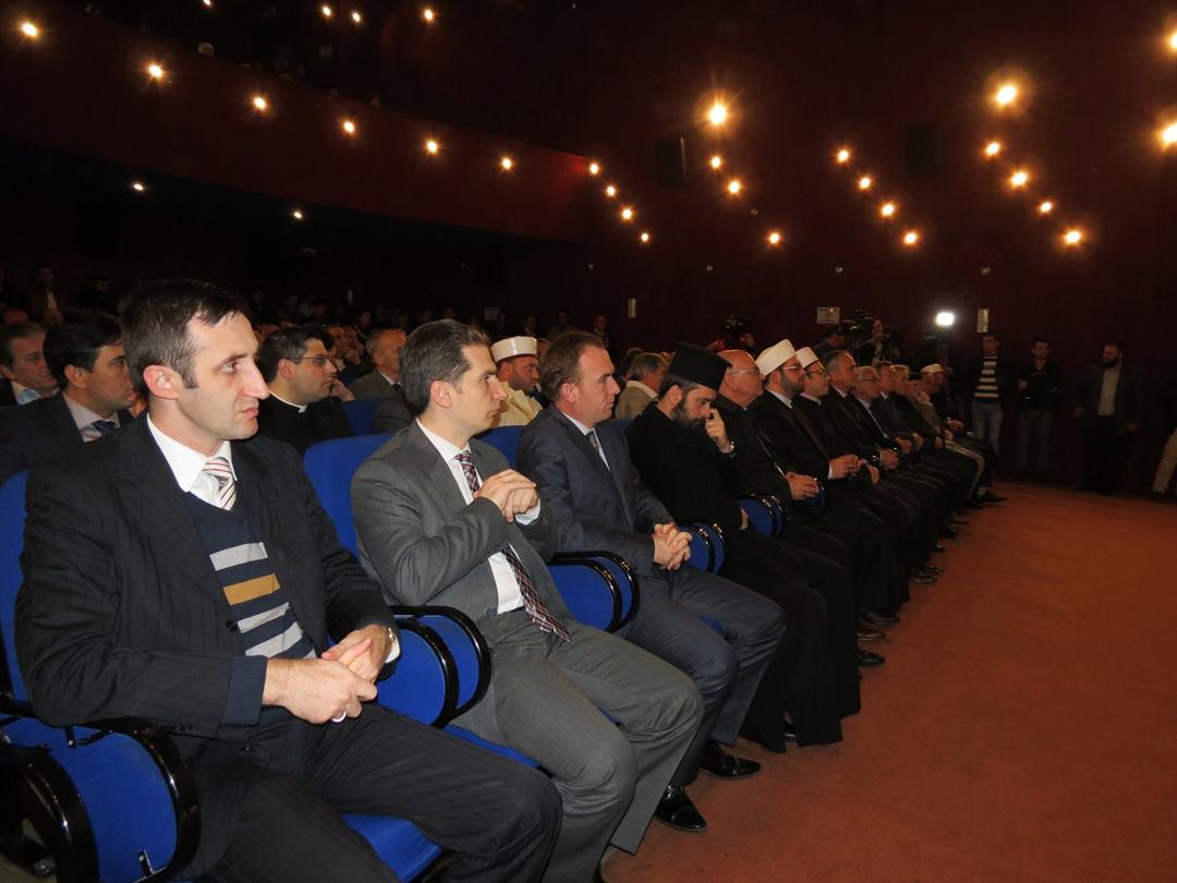 Shfaqet filmimi i ceremonisë së rihapjes së Xhamisë së Plumbit