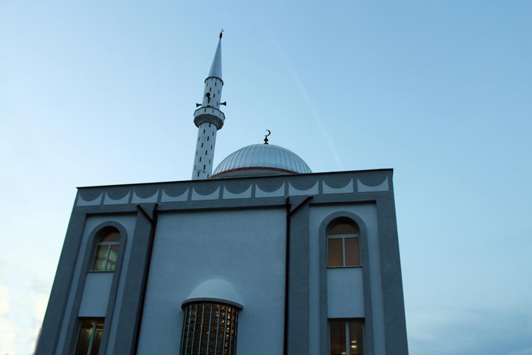 """""""Frytet e Besimit"""" ndalet në xhaminë e Yrshekut"""