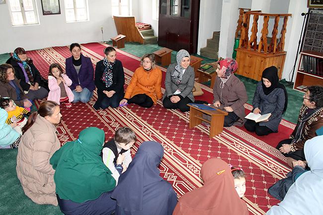 Përfaqësuese të Zyrës së Gruas takim me besimtaret e Librazhdit
