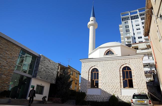 """""""Frytet e Besimit"""" zhvillohen edhe në Xhaminë e Sarandës"""