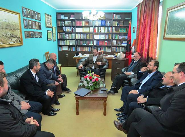 Kryetari i KMSH-së takim pune me disa myftinj në Shkodër