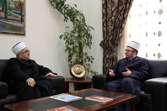 Kryetari i KMSH-së pret një delegacion nga Komuniteti Mysliman i Serbisë