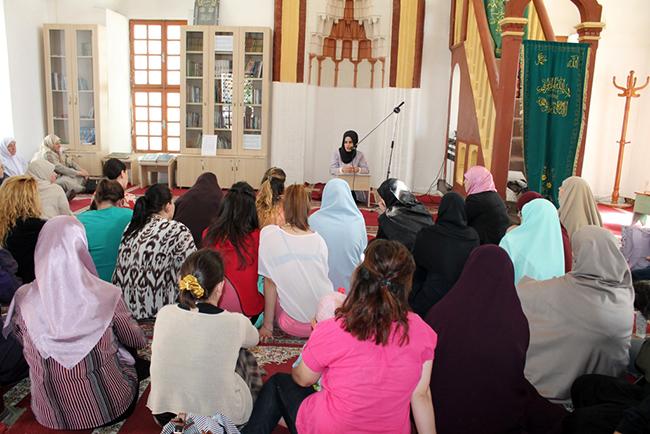 Përfaqësueset e Zyrës së Gruas takim me besimtaret e Vlorës