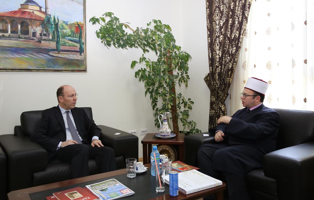 Kryetari Bruçaj pret ambasadorin e Izraelit
