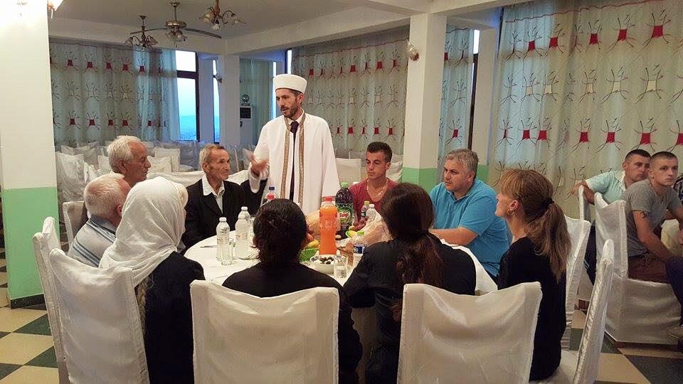 Myftinia Tiranë, iftar me familjarë e të afërm të dëshmorit Ibrahim Basha