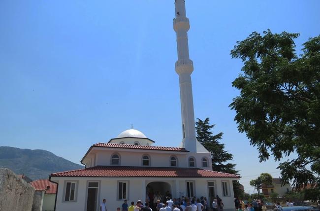 Hap dyert xhamia e re në fshatin Koplik i Sipërm