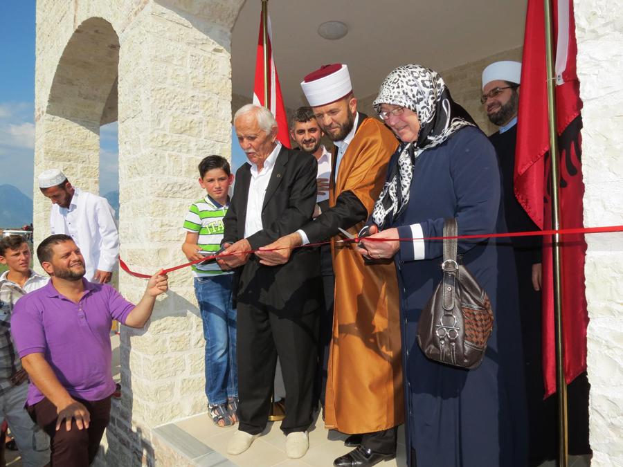 Hap dyert xhamia e re në Grudë-Fushë