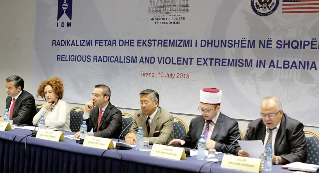 Kryetari i KMSH-së merr pjesë në konferencën kundër ekstremizmit