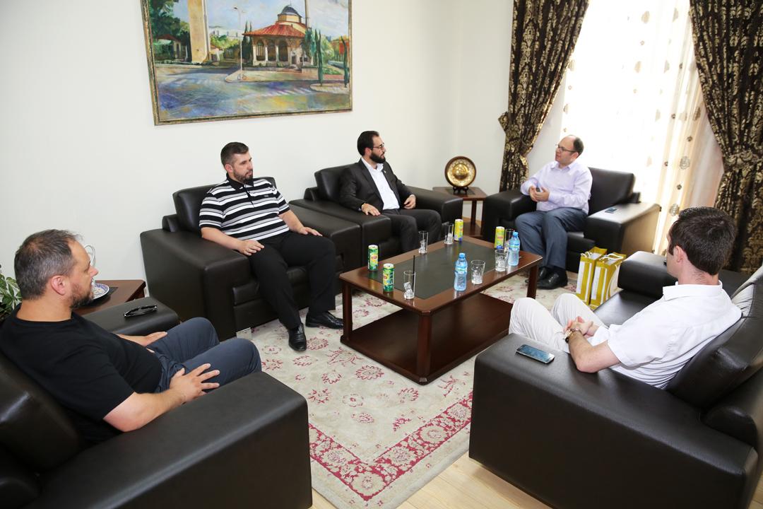 Një delegacion i shqiptarëve të Zvicrës, vizitë në KMSH