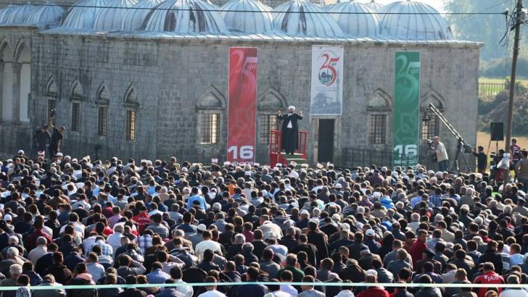 25 vite liri besimi, xhamia e Plumbit dëshmitare e ditëve të veçanta