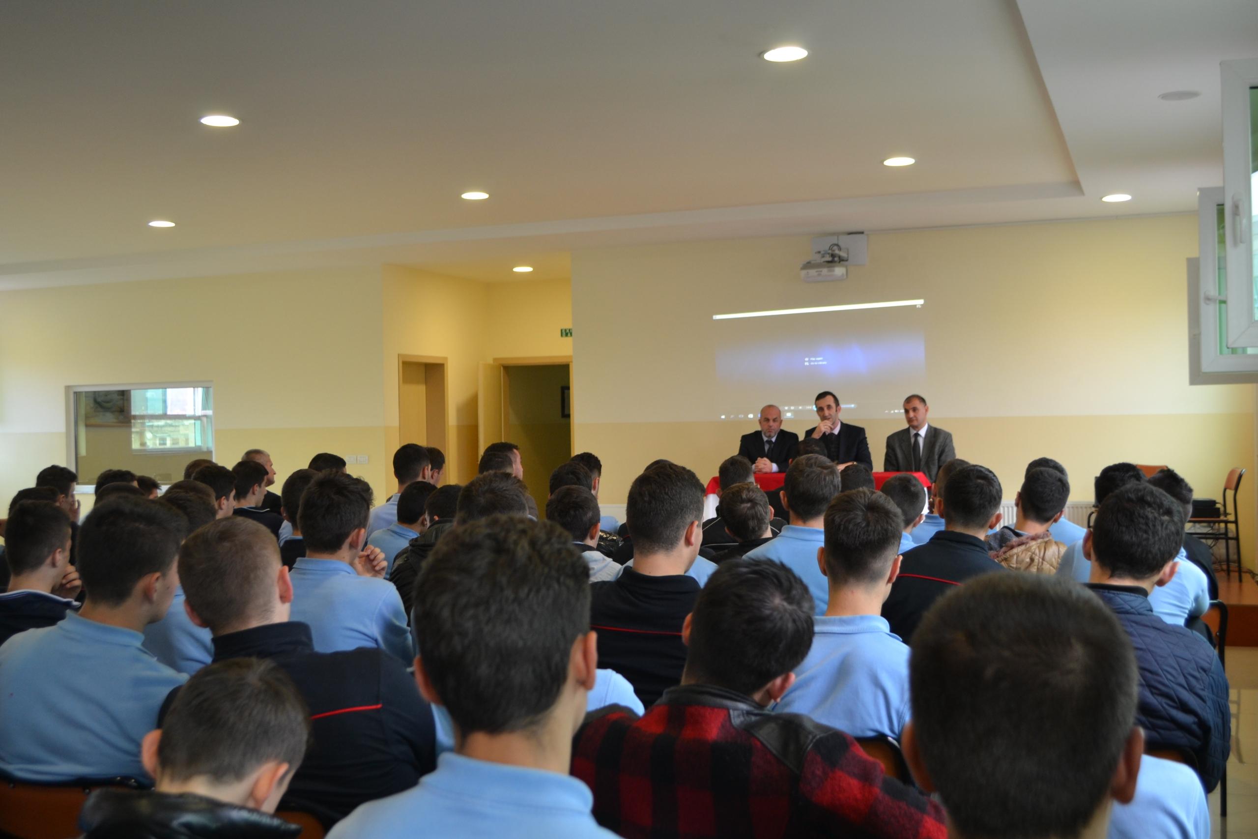 Përkujtohet 25 vjetori i lirisë së besimit në Medresenë e Elbasanit