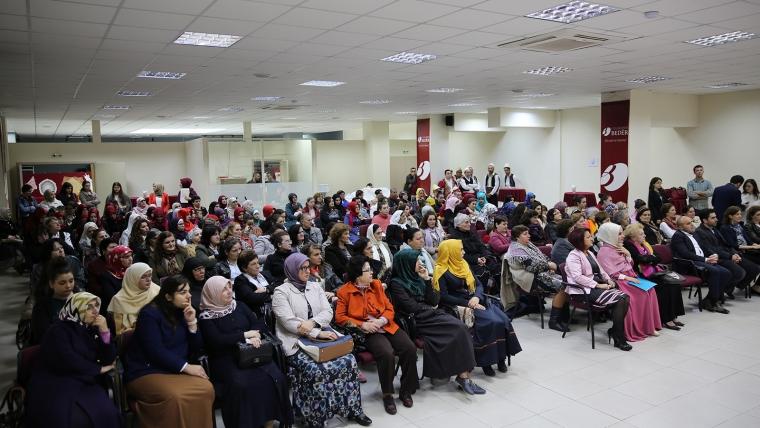 Zyra e Gruas, program artistik me rastin e festave të nëntorit