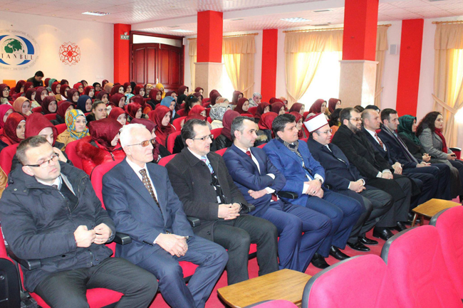 Kryetari Bruçaj, bashkëbisedim me maturantët e Medresesë Shkodër