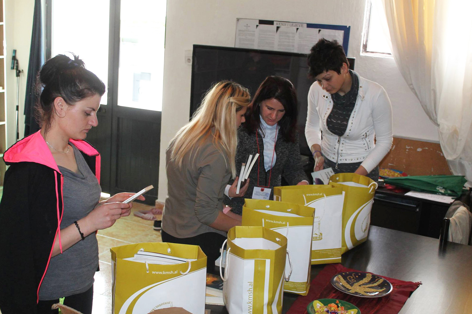 """""""Dhuro dije"""", Zyra e Gruas dhuron libra në burgun e grave"""