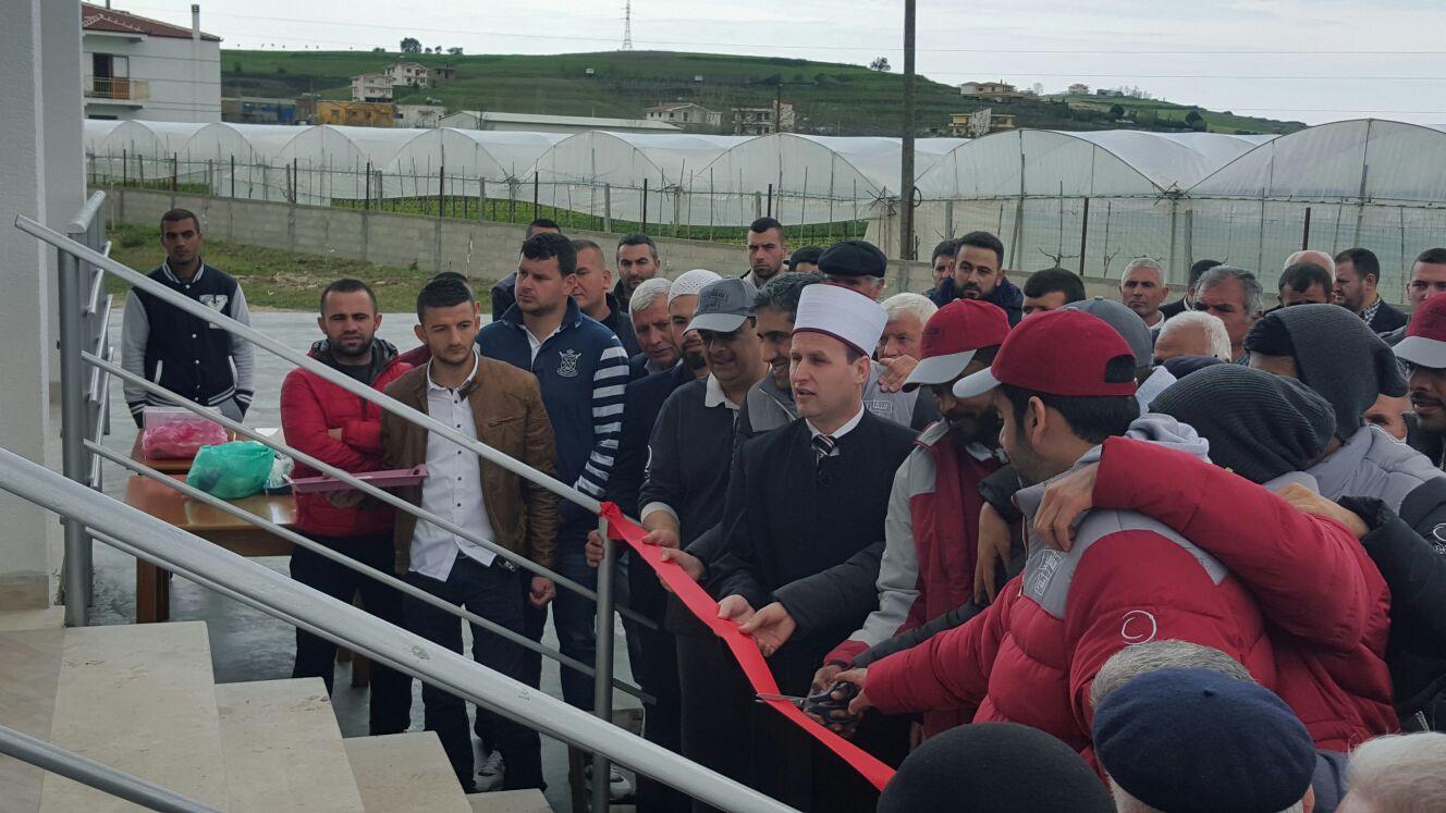 Inaugurohet Xhamia e re në Pjezë, Shijak