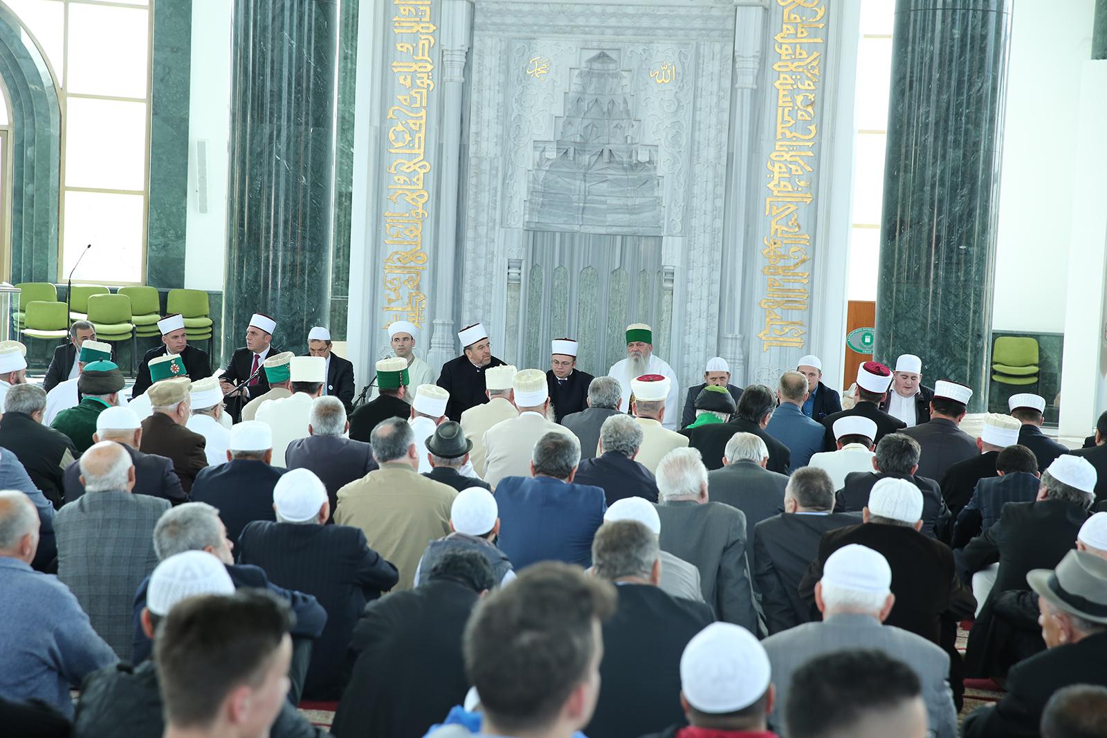 Përkujtohet 25 vjetori i lirisë së besimit në Mesxhidin e Bektashinjve