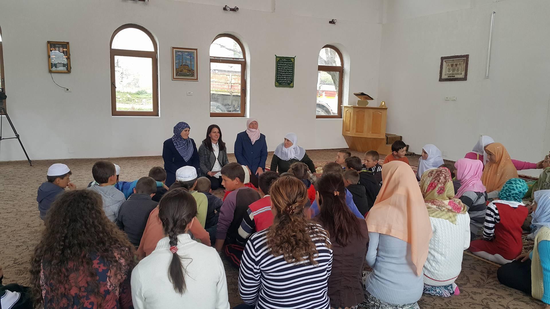 Përfaqësueset e Zyrës së Gruas takim me besimtaret e fshatit Shishtavec