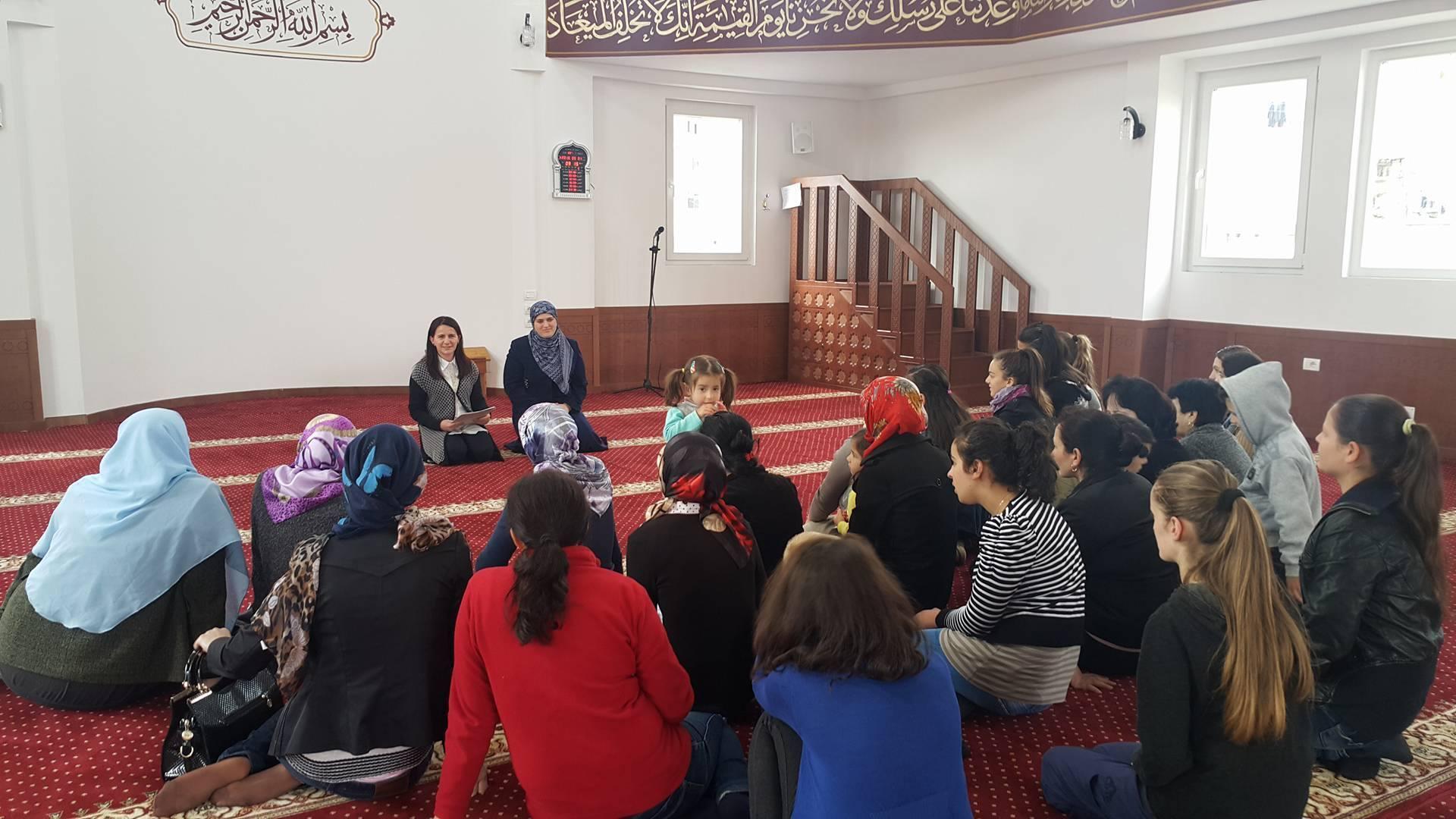 Tre muajt e begatë, Zyrës së Gruas takim me besimtaret e Kukësit