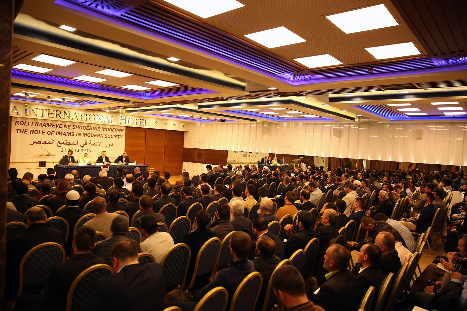 """Zhvillohet konferenca """"Roli i imamëve në shoqërinë moderne"""""""