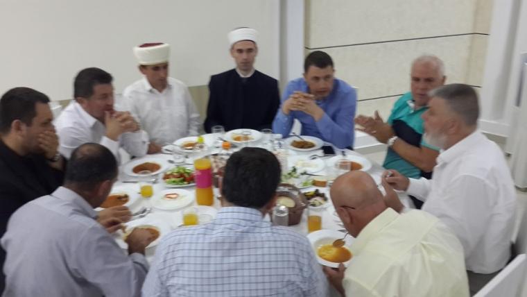 Myftinia Lezhë shtron iftar