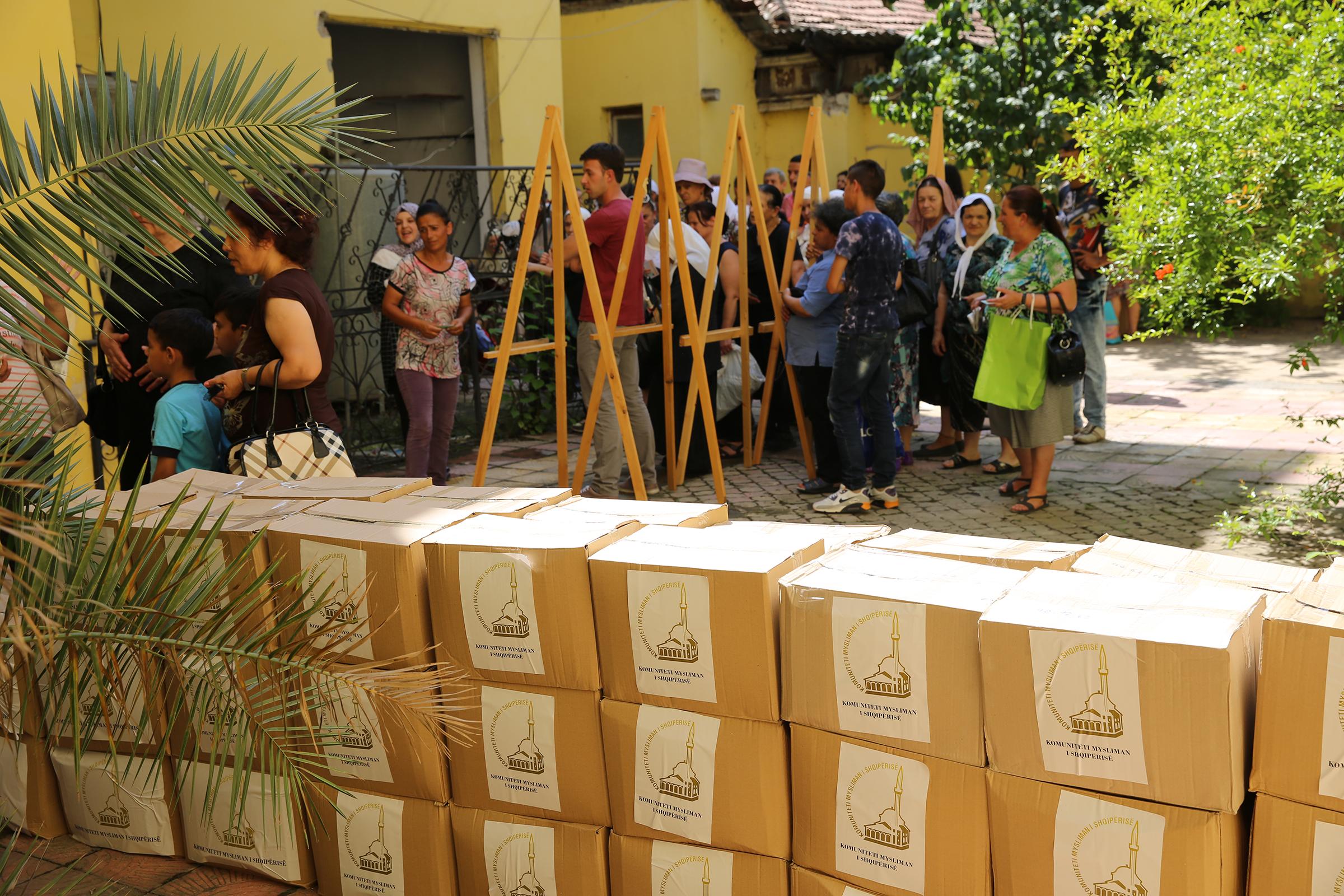 Ramazan, Zyra e Gruas shpërndan ndihma për famijlet në nevojë