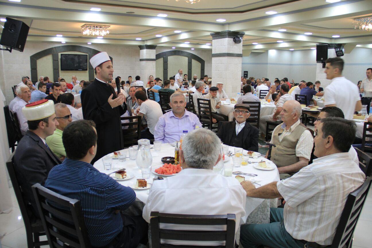 Iftar për besimtarët e rrethit të Krujës