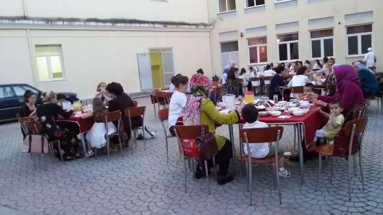 Zyra e gruas, iftar me besimtaret e xhamive të Tiranës