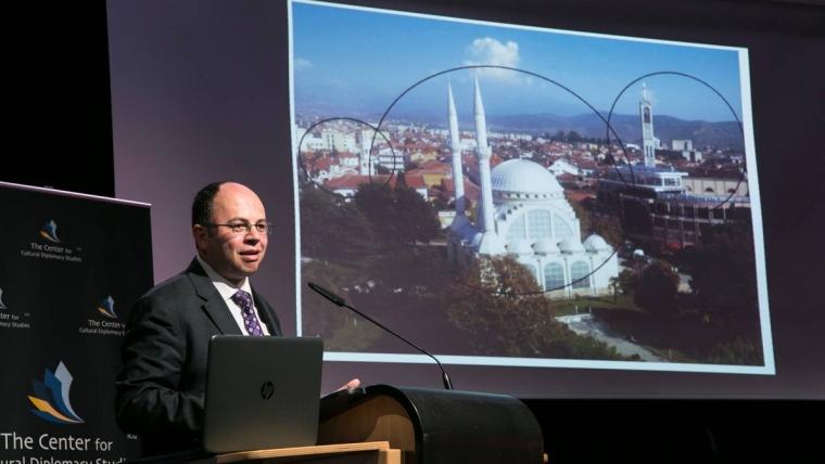 Bruçaj në Berlin: Shqipëria model i harmonisë ndërfetare