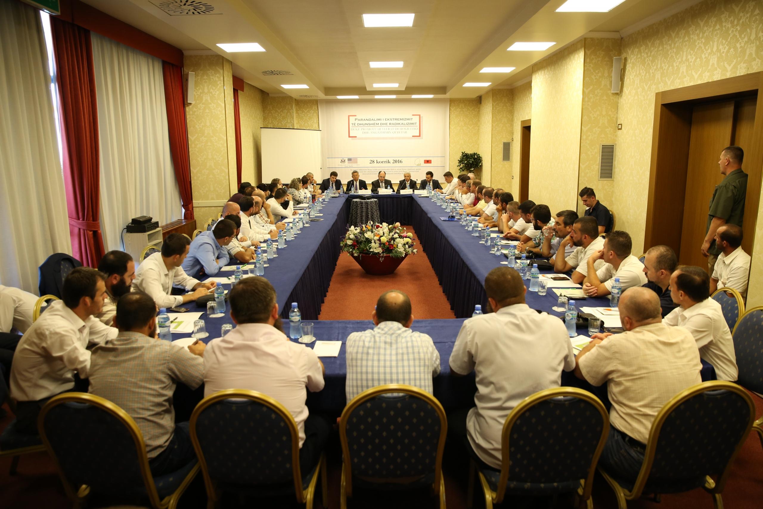 Konferencë, parandalimi i ekstremizmit duke promovuar vlerat demokratike dhe qytetare